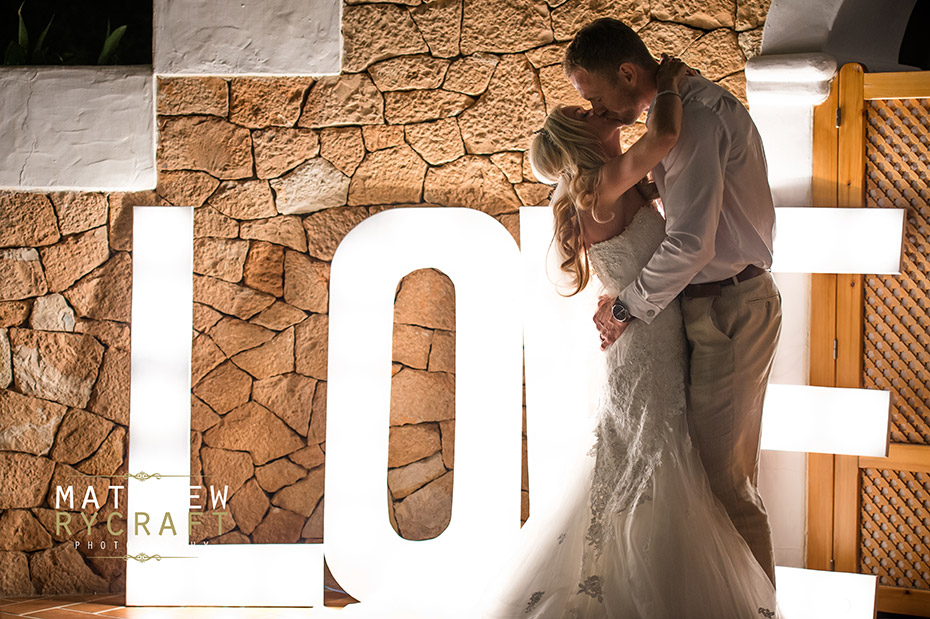 Love Sign First Dance