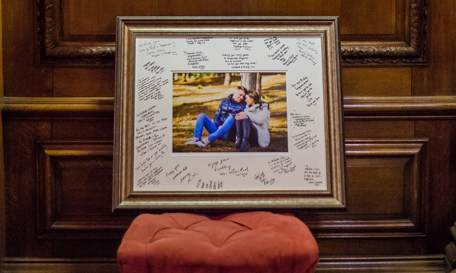 signature-frame-guest-signing 930