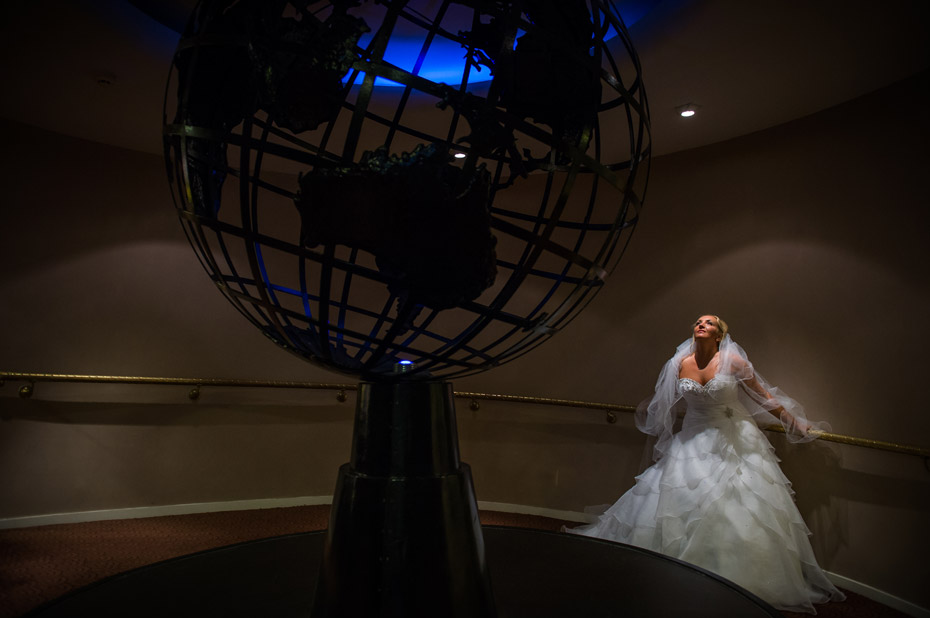 wedding-photographs-crowne-plaza-speke-liverpool-014
